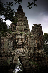 The Majestic Angkor Thom Entrance (El-Branden Brazil) Tags: cambodia bayon cambodian angkorwat angkorthom siemreap ancient sacred temples mysterious mystery buddhism buddhist southeastasia terraceoftheleperking