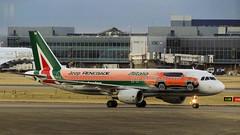 DSC09864 (Shaheer Jabbar) Tags: airliner airport aircraft airplane aeroplane london lhr heathrow airbus a320 alitalia eidsw jeeprenegade