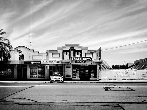True. Shops and wide open sky on the quiet end of Peel Street, Tamworth, Australia. Please share   #grahamrendothartist #renodesign #photo #bw #blackandwhitephotography #art #architecture #curator #gallery #travel #sydney #tamworth #nsw #summer #eagleboys