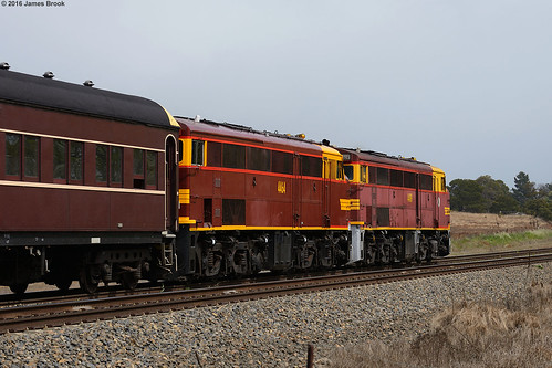 4486, 4464 between Murray Flats and Goulburn with 8L03