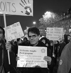 _DSF9026 (sergedignazio) Tags: france paris street photography photographie fuji xpro2 internationale lutte violences femmes