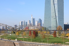 FFM_EZB (winglet777) Tags: frankfurtammain ezb ecb ostend skyline bridge black white autumn germany canon eos 760d baclkwhite