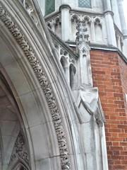 P1390209 (londonconstant) Tags: lodonconstant costilondra promenades streetscapes architecture london
