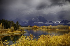 Late Fall Color at Oxbow Bend (s.r.lee) Tags: anniversarytrip fall grandtetonnationalpark oxbowbend scenery