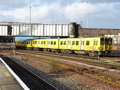 Merseyrail 508137 @ Chester (Sim0nTrains Photos) Tags: merseyrail merseyrailnetwork merseyrailelectrics class508 508137 brel brelyork emu electricmultipleunit chesterrailwaystation northwalesmainline wirralline merseyrailclass508