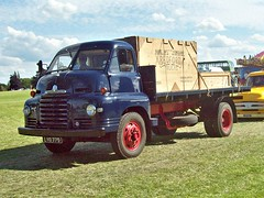 277 Bedford SLC Flatbed truck (1954) (robertknight16) Tags: bedford british 1950s sseries truck lorry flatbed luton lyo775