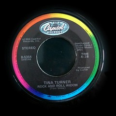 2017-01-02_08-45-44 (capleez) Tags: vinylrecords 45s tinaturner