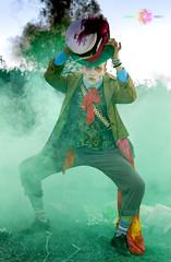 31 (Almu_Martinez_Jimnez) Tags: fantasa sombrerero loco madhatter alicia wonderland fantasia canon amigos maquillaje makeup jorgesarrin colores humo campo crtama canonista inspiracin locura timburton guaro lunamora tele reportaje social luces velas canddle tradicin arabe mlaga fotgrafa
