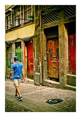 rue de Porto (Marie Hacene) Tags: porto portugal rue couleurs portes street