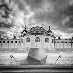 welcome to the simulation (David Kutschke) Tags: budapest szechenyi thermal bath spa baths bad therme bw blackandwhite blackwhite water 3d object ikosaeder icosahedron simulation unreal cinema4d c4d composition montage clouds wolken schwimmbecken swimming pool