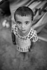 Too small to this war (Giulio Magnifico) Tags: war child refugees iraq isis kurdistan reportage jihad yazidi zakho nikond800e sigma35mmf14dghsm da3sh