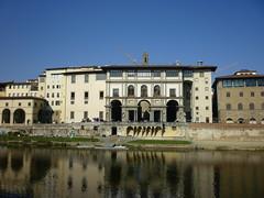 P1040890 (ferenc.puskas81) Tags: italy museum river march florence europa europe italia fiume tuscany firenze uffizi arno toscana marzo galleria 2012