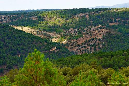 """Salinas del Manzano: El Castillo desde la cruz del rullete • <a style=""""font-size:0.8em;"""" href=""""http://www.flickr.com/photos/26679841@N00/15316162920/"""" target=""""_blank"""">View on Flickr</a>"""