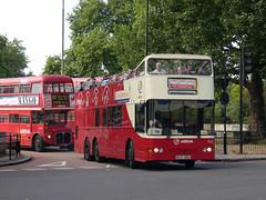 Metroliner (13618) Tags: bus london coach ensign londonpride mcw arriva opentop doubledeck metroliner olst londoncoaches tolst shamrockrambler opentopper originallondonsightseeingtour ml15 b115oru