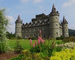 Inveraray Castle, (1746-1758), Inveraray, Argyll and Bute, Ecosse, Grande-Bretagne, Royaume-Uni. (byb64) Tags: uk greatbritain castle garden scotland