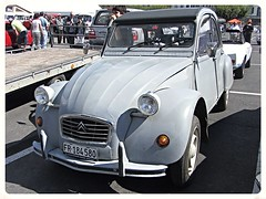 Citroën 2CV (v8dub) Tags: auto old 2 classic car french automobile automotive citroën voiture oldtimer oldcar cv collector aircooled youngtimer wagen pkw klassik worldcars