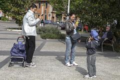 momenti indelebili (Zioluc) Tags: street 3 torino photo child smartphone photograph turin spina3 luciobeltrami