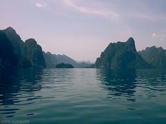 Cheow Larn Lake (jaymetravel) Tags: travel lake thailand southeastasia wanderlust khaosok limestonecliffs khaosoknationalpark cheowlarnlake jaymetravel
