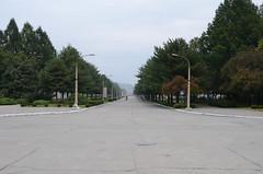 Pyongyang - Mt Myohyang/Hyangsan - Pyongyang (multituba) Tags: train railway northkorea dprk myohyang hyangsang