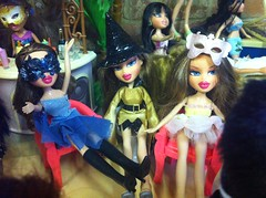 Halloween Masquerade Ball at The Hotel. #bratz #bratzhalloween #bratzparty #bratzboyz (Lani and Tani) Tags: bratz bratzboyz bratzhalloween bratzparty