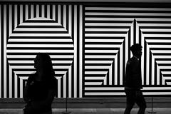 Twin Silhouettes (_Codename_) Tags: nyc newyorkcity newyork silhouette circle square blackwhite triangle tourists met metropolitanmuseum