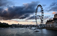 el ventilador y las nubes  EXPLORE (RalRuiz) Tags: greatbritain sky london westminster thames clouds unitedkingdom londoneye cielo nubes whitehall tmesis reinounido granbretaa londes