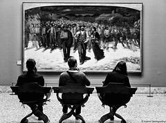 Interazioni sociali (Valerio Santagostino) Tags: gente museo brera fiumana biancoenero bew bianco nero noir black blance people interazioni sociali paradosso museum