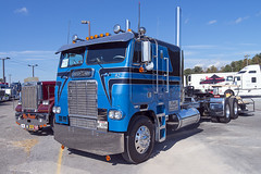 1982 Freightliner FLA-10464T cabover (Thumpr455) Tags: americantruckhistoricalsociety aths show westernnorthcarolinaagcenter arden nc october 15 2016 truck semi tractor heavy machinery nikon d800 1 afnikkor1635mmf4vr northcarolina fletcher