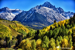 C O L O R A D O (Aspenbreeze) Tags: colorado autumnincolorado sanjuanmountains mountains autumn fallseason seasons aspentrees trees mountainscape landscape rural country peaks snowypeaks bevzuerlein aspenbreeze moonandbackphotography