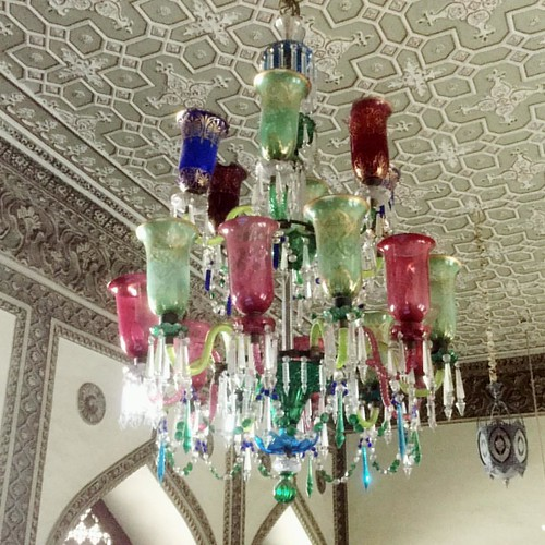 Beautifull colors in this #chowmahallapalace #chandelier #hyderabad