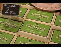 Mmmm (PCB75) Tags: catalunya catalogne catalonia catalogna 2016 barcelona ciutat passeigdegràcia casaamatller cafè cafeteria negocia botiga xocolates xocolata vidre vidres cuina