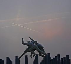 Happy Birthday Lorraine (Bricheno) Tags: glasgow morning rutherglen tesco fog roundabout sculpture dalmarnock bricheno davidannand reelofthree scotland escocia schottland cosse scozia esccia szkocja scoia
