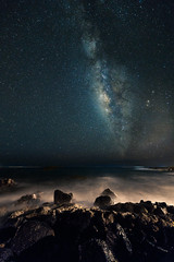 Hawaiian stars (Topbunk) Tags: night stars milkyway longexposure hawaii beach