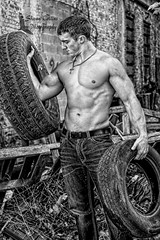Model Tom (Shawn Collins Photography) Tags: model modeling fitness fit fitnessmodel chest arms shirtless muscle muscular masculine bodybuilding body hunk college