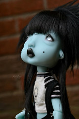 Humpty dumtpy (Mientsje) Tags: circus kane nefer humpty dumpty green blue doll toy bjd ball jointed abjd artist cute egg gothic dark yosd sweet dolls