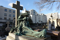 Vaugirard Cemetery @ Paris (*_*) Tags: paris france europe city autumn fall 2016 saturday sunny december cimetiere cemetery vaugirard 75015 15 paris15