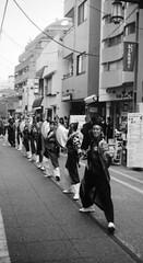 PAUSE!! (Dinasty_Oomae) Tags: lomo  smena8m 8m  blackandwhite bw monochrome outdoor   tokyo street  setagaya  shoinshrineavenue  yosakoi   dance  groupedancing  festival
