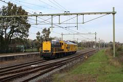 SHD 2205 met CTO-meetrijtuig in Santpoort Noord (sanfranjake) Tags: shd shd2205 ns2205 trein meettrein cto ctorijtuig stichtinghistorischdieselmaterieel