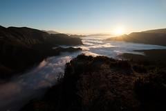 Mirador del Gresolet (Montxu Ban) Tags: pedraforca saldes bergued berga pirineus rutes fujinon xpro xpro2 granangular fujifilm pics boira mardeboira sky fog