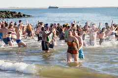 Coney Island Polar Bear Swim 2017 (lardfr1) Tags: coneyisland polarbears polarbearclub newyearsday polarbearplunge coneyislandpolarbearswim coneyislandpolarbearswimnewyearsday2017 beach