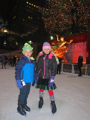 The Kids On The Rockefeller Center Ice Rink (Joe Shlabotnik) Tags: manhattan iceskating violet rockefellercenter newyorkcity skating december2016 nyc everett 2016 60225mm