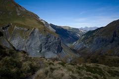 Swiss Tectonic Arena Sardona (Toni_V) Tags: autumn alps nature landscape schweiz switzerland europe suisse hiking 28mm herbst rangefinder alpen svizzera stgallen wanderung m9 2014 unescowelterbe svizra elmaritm messsucher 141012 ©toniv leicam9 batöni swisstectonicarenasardona hüenerspitz tektonikarenasardona elmfoopassmuotatalsattelheubützlipassheidelpassweisstannenschwendi l1019017 unterlavtina lavtina valtüsch