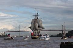 L'Hermione quitte le port de Bordeaux (Les photos de LN) Tags: port boat bordeaux bateau garonne voilier fleuve pontdaquitaine frgate portdelalune