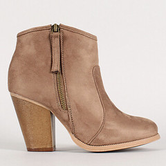 "zipper chunky heel ankle bootie tau[e • <a style=""font-size:0.8em;"" href=""http://www.flickr.com/photos/64360322@N06/15372886498/"" target=""_blank"">View on Flickr</a>"