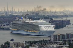 Oasis of the Seas (Erwin van Maanen) Tags: netherlands boot rotterdam barco ship cruiser crucero rccl oasisoftheseas nikond7000 erwinvanmaanen kroonenvanmaanenfotografie