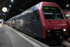 SLMNr 5374 : SBB Lokomotive Re 450 006 - 2 mit Taufname Rafz mit ZVV - Zrcher S-Bahn Doppelstockzug am Bahnhof Zrich HB im Kanton Zrich in der Schweiz (chrchr_75) Tags: oktober train schweiz switzerland suisse swiss eisenbahn zug sbb christoph svizzera bahn treno schweizer ffs bundesbahn 2014 zvv suissa cff chrigu 1410 dosto doppelstcker bahnen schweizerische re450 tranin chrchr hurni chrchr75 bundesbahnen chriguhurni albumbahnenderschweiz chriguhurnibluemailch albumsbblokomotivere450 oktober2014 albumbahnenderschweiz2014712
