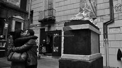 Innamorarsi a Napoli (marziabertelli) Tags: street del centro bn di napoli vicolo largo statua ritratti bianco antico nero amore sfinge corpo posto città storico restauro nilo testa spaccanapoli amanti bwn dellamore innamorati proprio innamorarsi