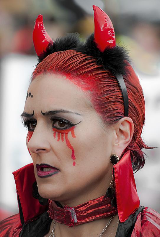 cla diabla llora sangre eduardo arias rbanos tags carnival portrait woman