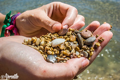 Feelings (evaruizp) Tags: sea color macro love beach up rock mar cool hand close smooth playa arena mano suave piedra peiscola