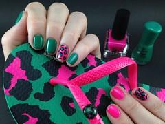 Oncinha verde e rosa com BU – Merengue + Essence – Roller Coaster (criscbeber) Tags: nail essence nailpolish bu nailart oncinha animalprint nailartoncinha